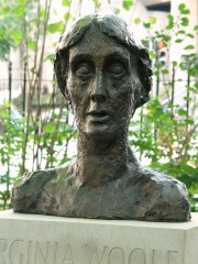 Virginia_Woolf,_Tavistock_Square,_London.JPG