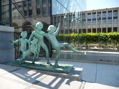 Mont des arts (Enfants et chevreau d'Eugène Canneel).JPG
