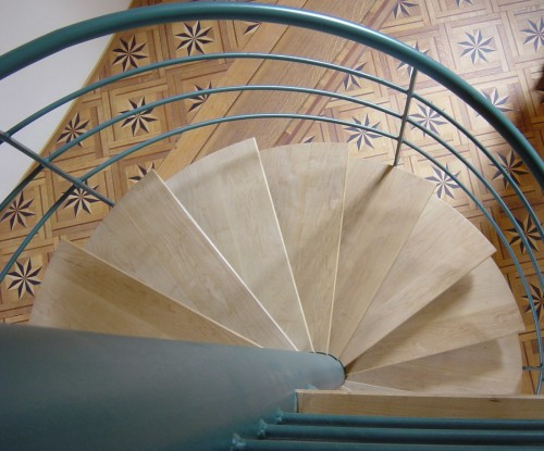 Escalier de bibliothèque.jpg