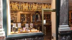 bruxelles,galeries royales saint-hubert,boutiques,librairie,tropismes,galerie des princes,patrimoine,culture