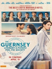 le cercle littéraire de guernesey,film,mike newell,romance,guernesey,adaptation,cinéma,le cercle littéraire des amateurs d'épluchures de patates de mar,ann shaffer et annie barrows,lecture,occupation allemande,amour,culture
