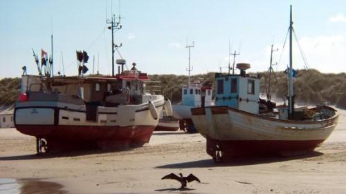 Danemark fiskekuttere-loekken-strand.jpg