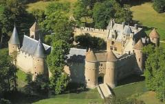 Château d'Ainay le Vieil.jpg
