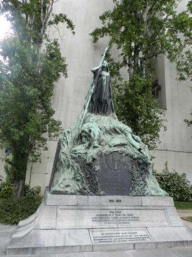 Charlier Monument aux morts.jpg