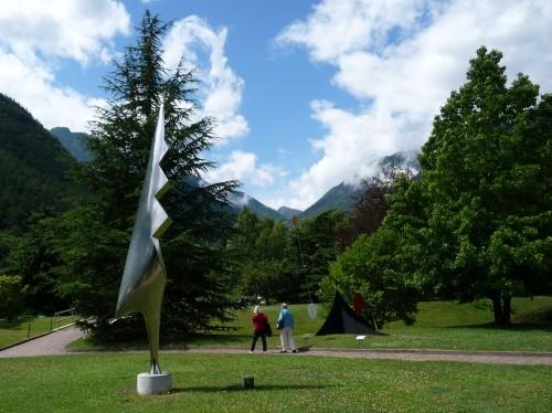 Le coq de Brancusi dans le parc de la Fondation Pierre Gianadda à Martigny.JPG