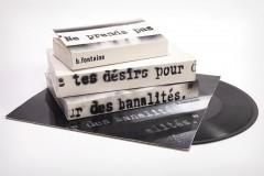 entre deux chaises,un livre,exposition,villa empain,bruxelles,photographie,vidéo,sculpture,installation,livre,papier,sièges,art contemporain,culture
