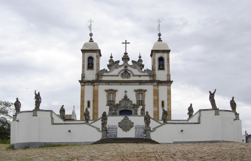 Congonhas_sanctuary_of_Bom_Jesus_church.jpg