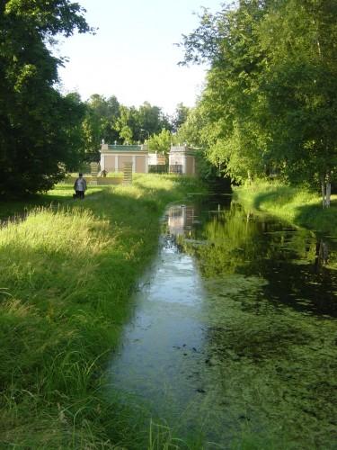 Dans les jardins de Kouskovo (propriété des Cheremetiev).JPG
