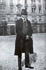 Kafka dans la rue.jpg