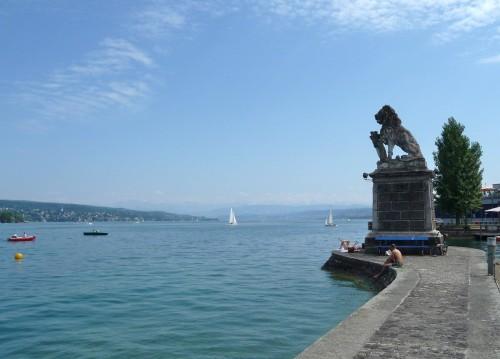 Zurich Lecteurs du Lac.JPG